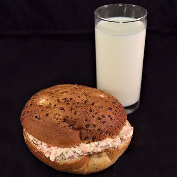 Afbeeldingen van Broodje krabsalade